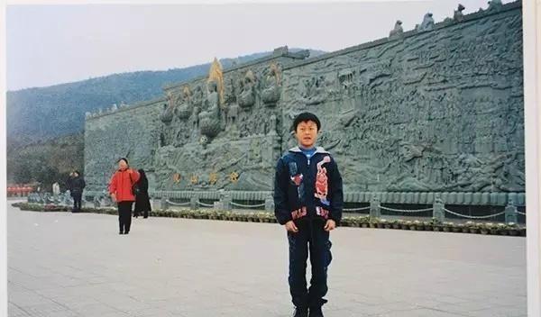 浙江新娘发现老公16年前照片里有自己亲妈
