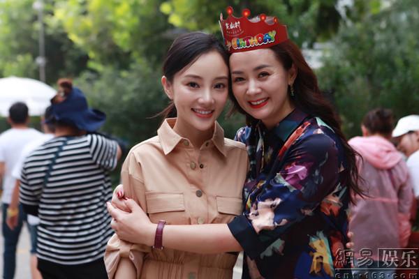 《读心》杀青 陈依莎李小璐演母女