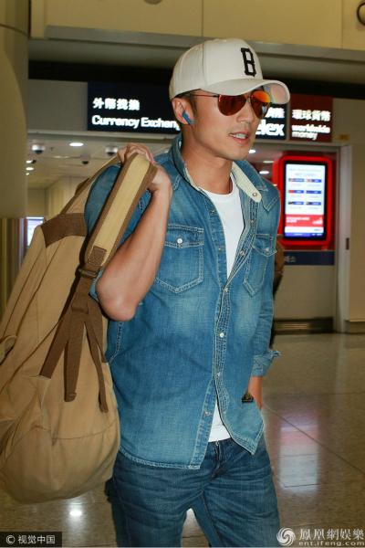 谢霆锋撇王菲独自回港 表示日本之行是为