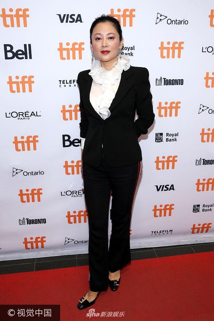 第42届多伦多国际电影节 陈凯歌扮嫩陈红OL装富贵又干练