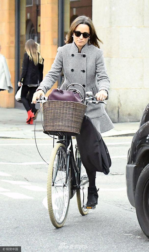 【轮播性感】凯特妹妹图片皮帕王妃代步超亲民舞蹈单车mv韩国女团图片