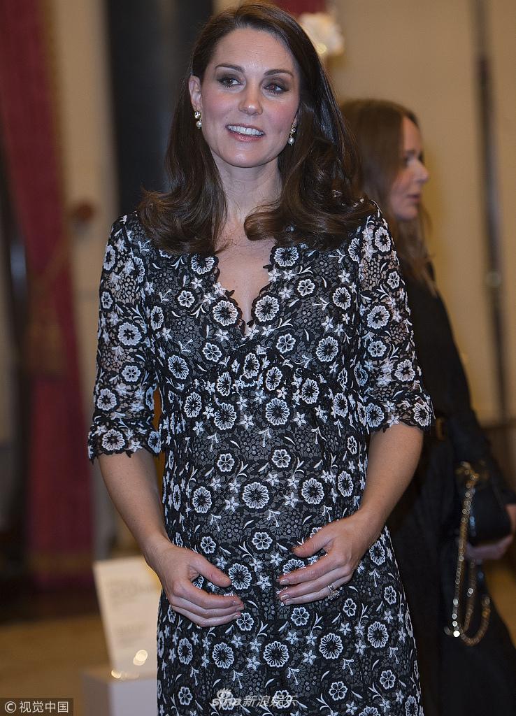 凯特王妃亮相频抚孕肚大秀母爱 握手女魔头温图尔显气场