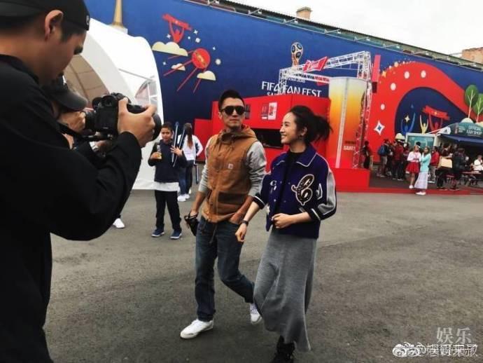 网友偶遇谢霆锋林依晨 两人在俄罗斯街头随性漫步