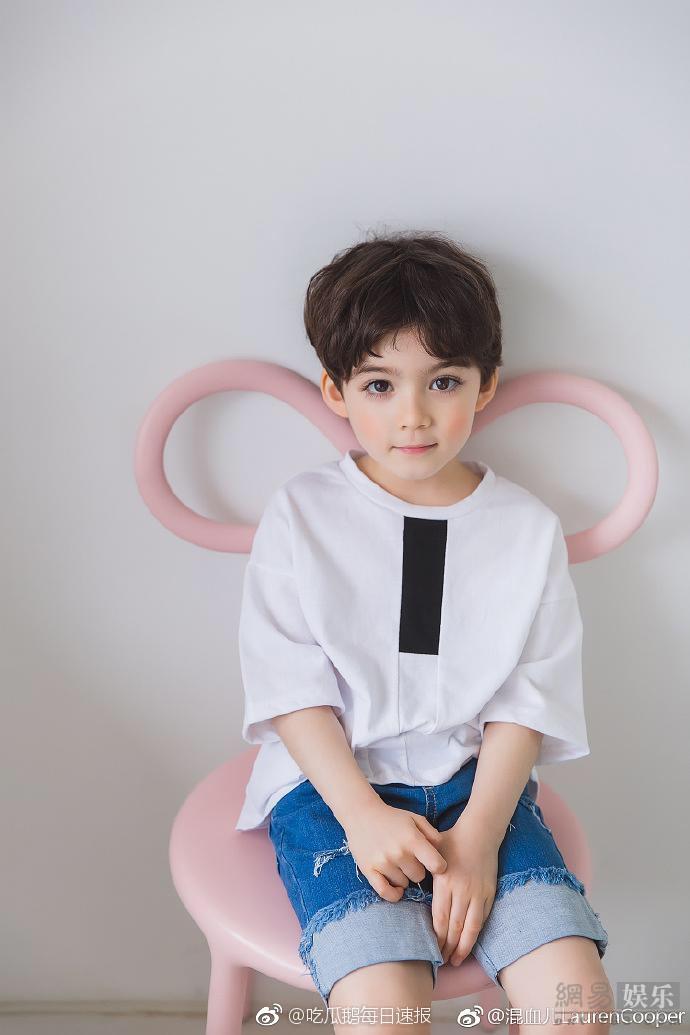 《爸爸6》范丞丞带的萌娃曝光 大眼睛长睫毛似天使