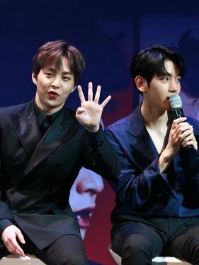 EXO接受专访 欧巴可爱与帅气兼备