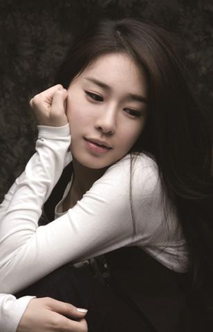刘仁娜最新写真 彰显女神范
