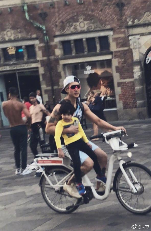 吴尊一家哥本哈根悠闲度假 NeiNei十分可爱