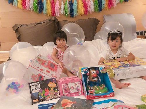 贾静雯修杰楷为咘咘庆祝三岁生日 小公主超可爱